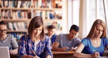 Kurs stranog jezika za srednjoskolce i studente Speak Easy